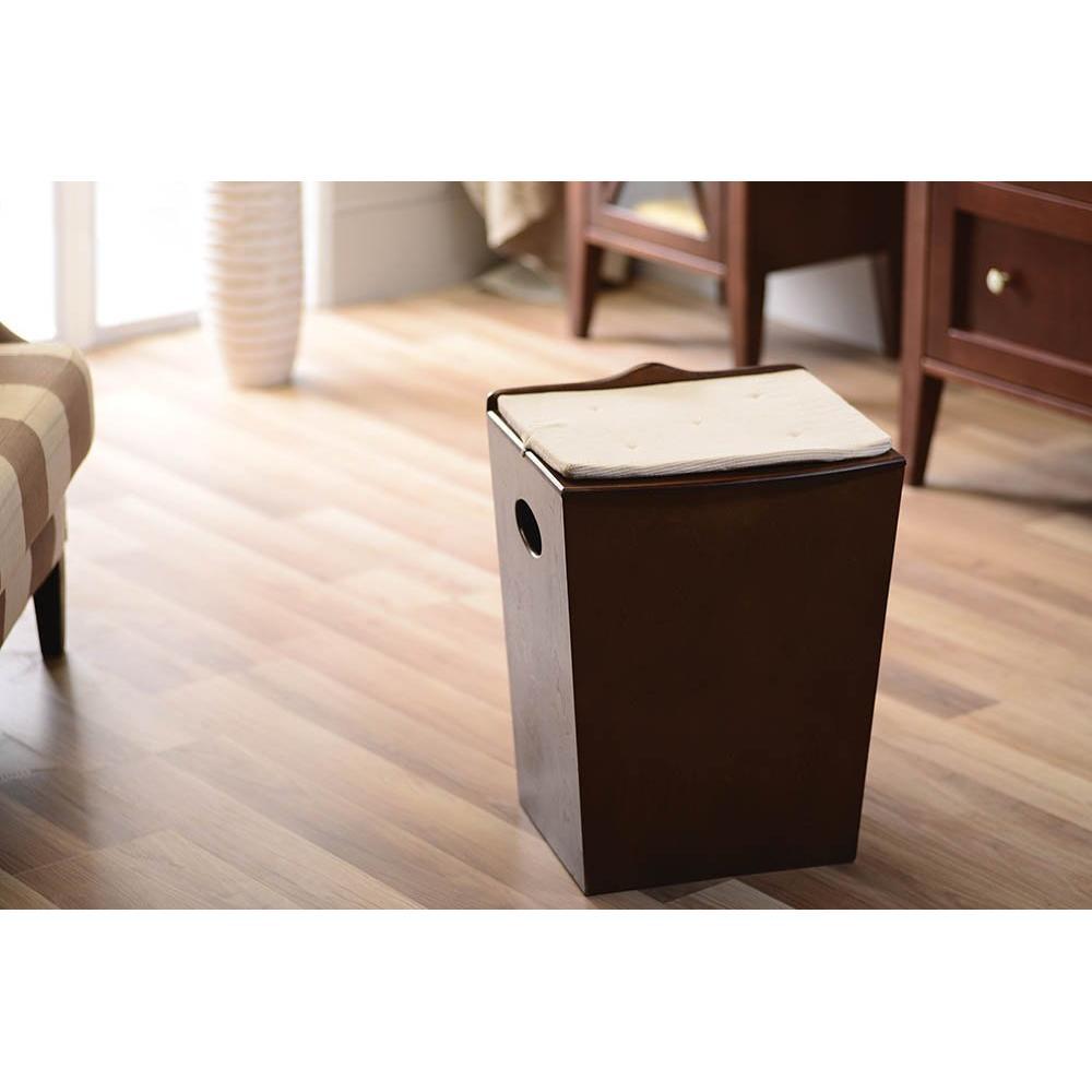 wschetruhe zum sitzen fabulous beautiful wschetruhe sitztruhe wschekorb truhe wei schwarz braun. Black Bedroom Furniture Sets. Home Design Ideas